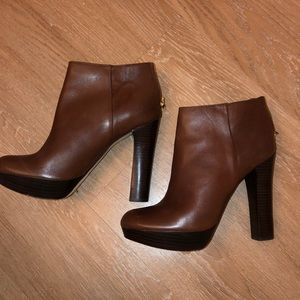 Like new Micheal Kors ankle booties!